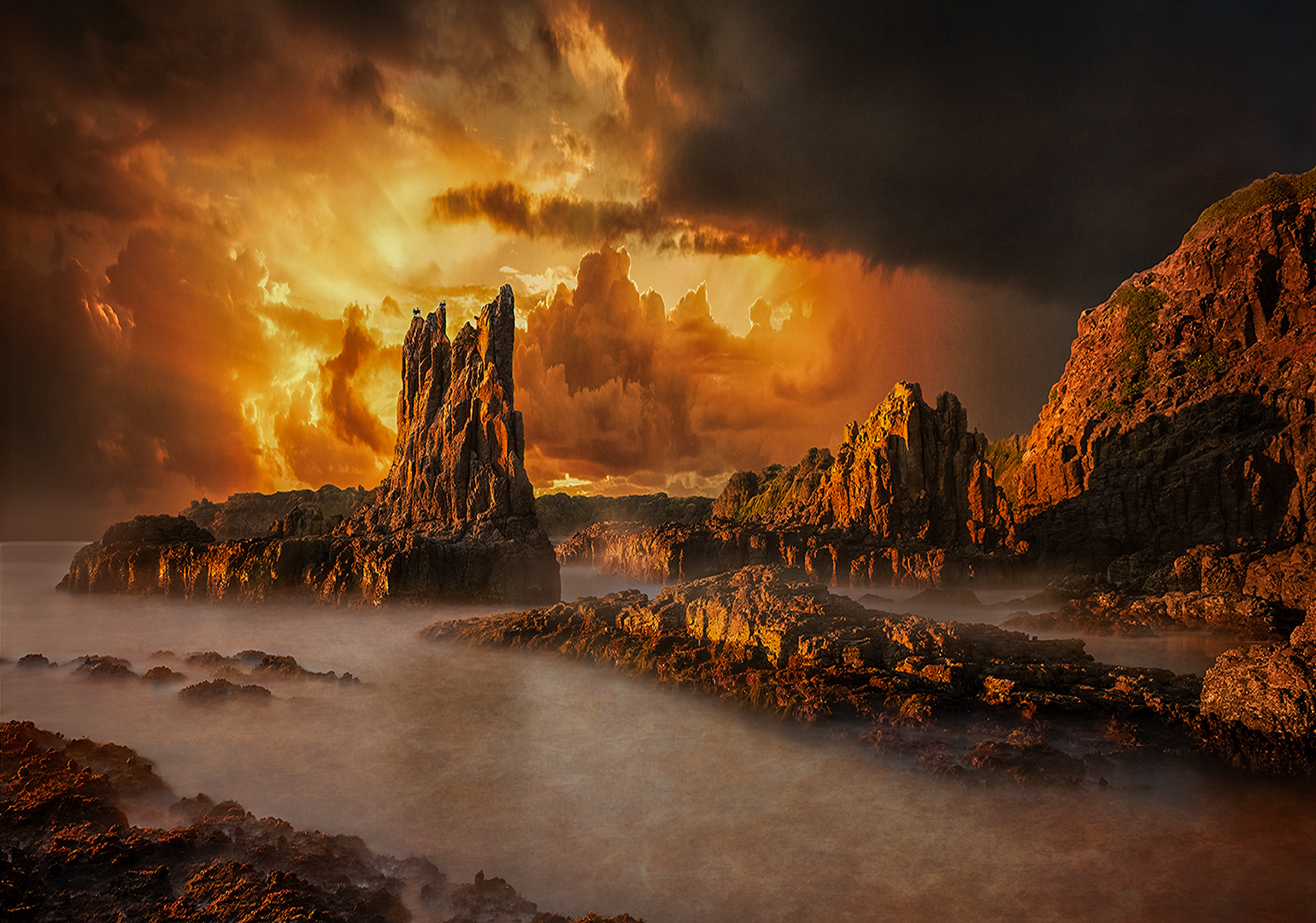 """2018 Open Colour Section """"Cathedral Rock"""" by Les Atkins: Awarded APS Gold Medal"""
